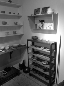 器は作家ものや古いもの。更には倉に眠っていた発掘品まで列んでいます!
